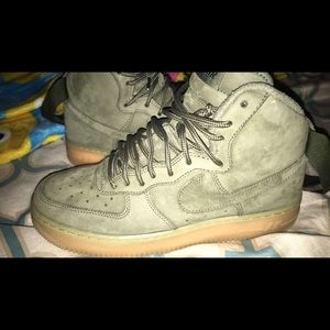Green gum bottom Air Force 1s